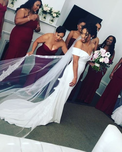 NolaBeauty x Demi_Such a stunning bride.