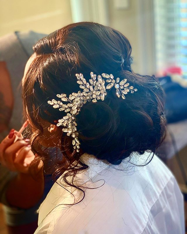 Nola Beauty Bridal Hair_._._._._.__.....