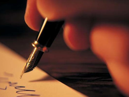 8 Essential Keys to Hosting a Successful Book Signing