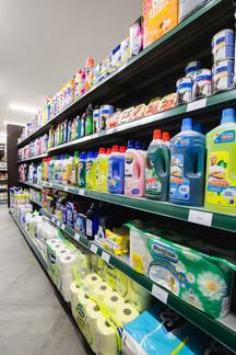 Haustierfutter, Reinigungsmittel und Bed