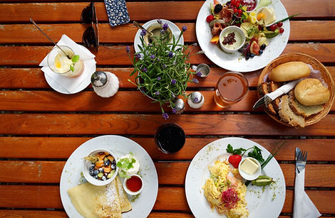 Frühstück im Café im Kurpark