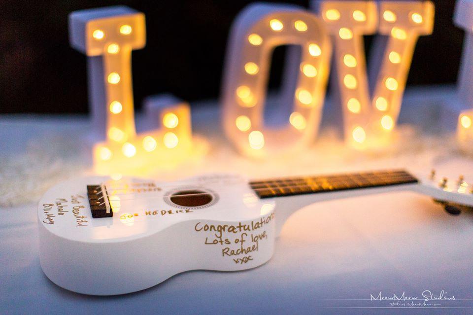 Ukulele Guest Book, LOVE letters in lights