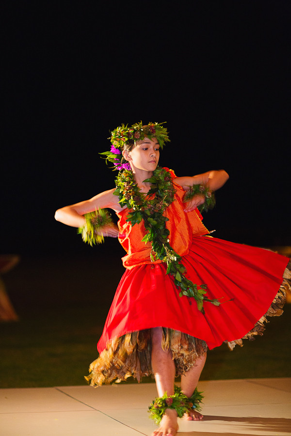Hula Dancer at Loulu Palm Estate Wedding, Photo by Sealight Studios