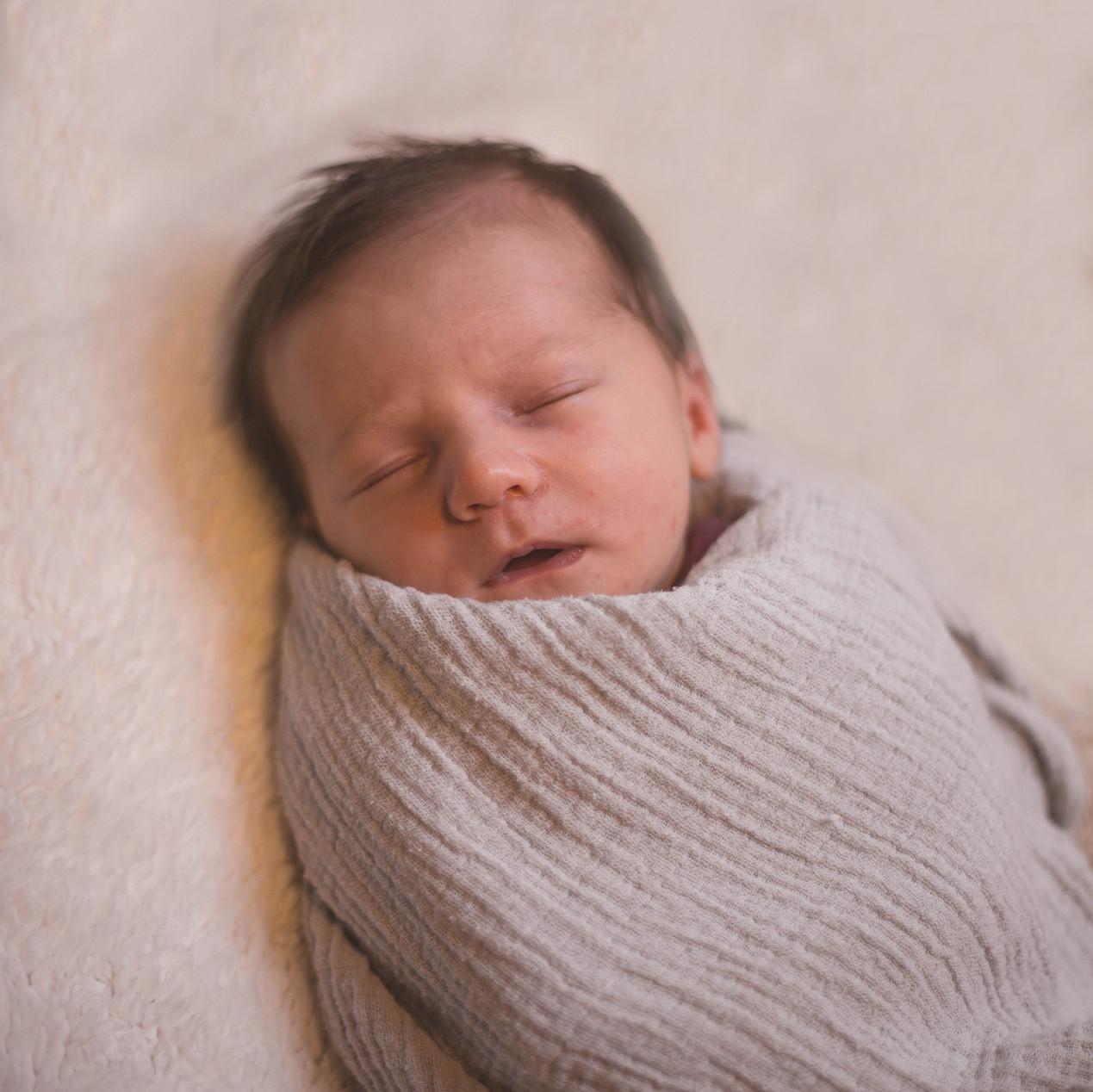 Newborn Lifestyle photograhy session