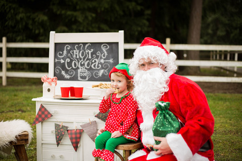 Hot Cocoa and cookies with Santa photo sessions in Yelm, WA