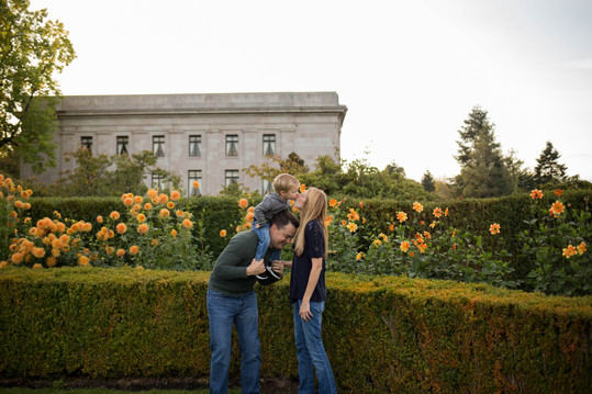 Family of 3 photos in the gardens at Olympia State Capita. Photographs by A Bit O' Whimsy