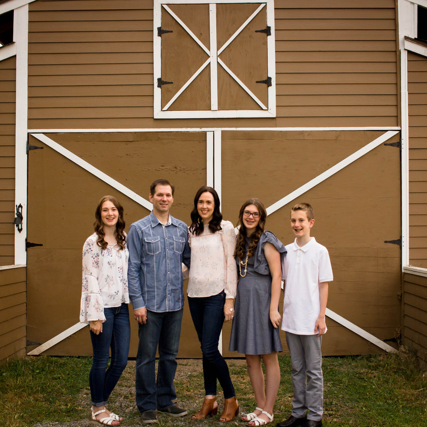 Barn, Family pictures, Yelm