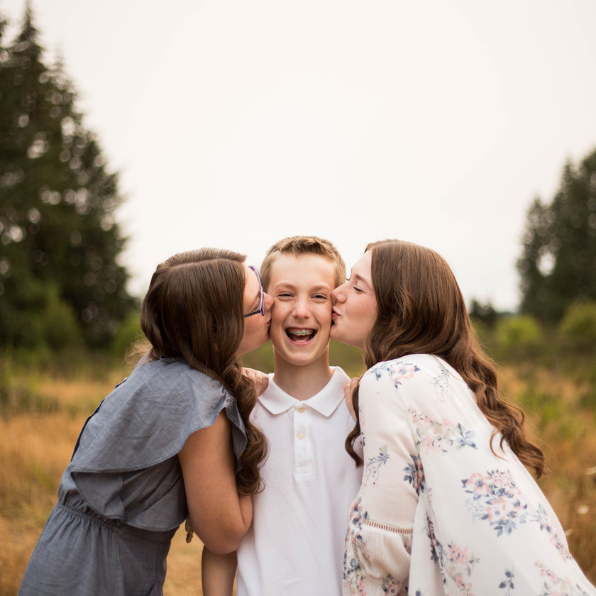 Older sibling family photography session Thurston County