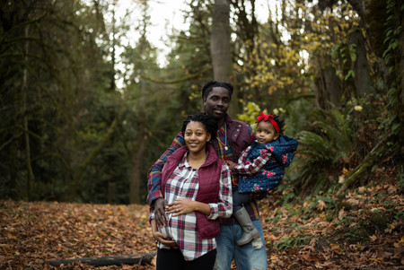 Fall family maternity pictures in the forest