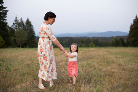 Family photos in Yelm, Wa by A Bit O' Whimsy Photography