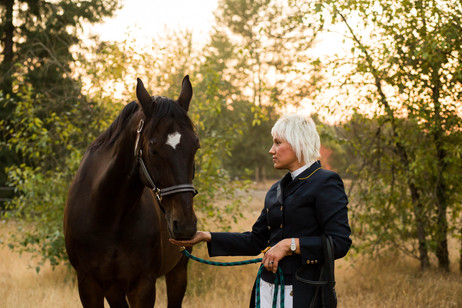 Horse Portrait Photography Session in Olympia, Washington. Photos by A Bit O' Whimsy Photography