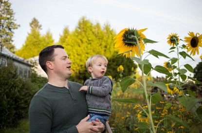 Father and son photos at Olympia State Capitol garden. Photography by A Bit O' Whimsy Photography