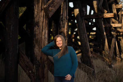 outdoor mother portrait in Yelm, WA by A Bit O' Whimsy Photography