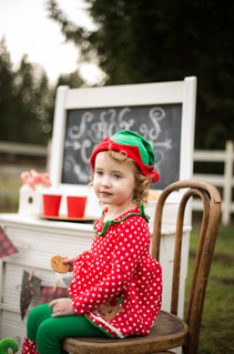 Christmas hot cocoa photo sessions in Yelm, WA