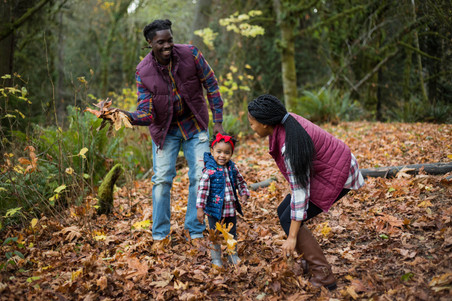 Fall family pictures in the forest