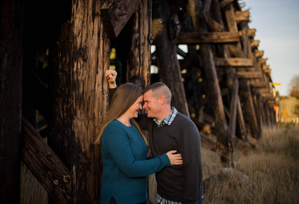 Couples photo in Yelm, Wa by A Bit O' Whimsy Photography