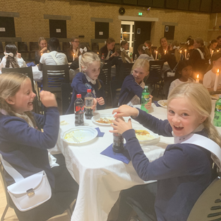 Middag for Gardens piger, bestyrelsen og lærerne