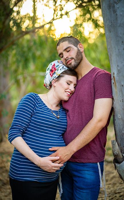 בעל ואישה- צילומי הריון לדתיים בטבע