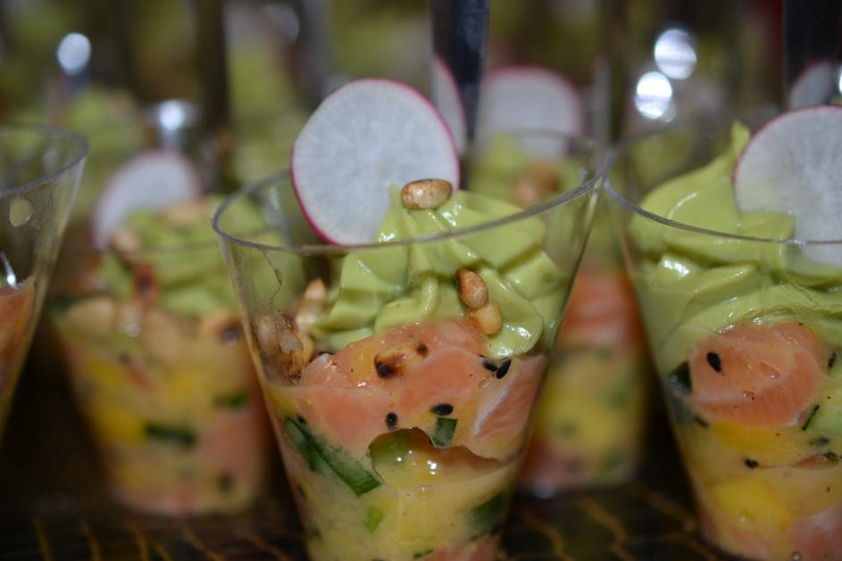 Tartare de saumon, mangue et guacamole