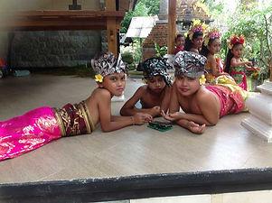balinese-dancers-kids-750.jpg