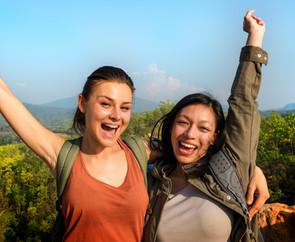 people-friendship-hangout-traveling-dest