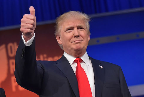 Donald-Trump-thumbs-up.jpg