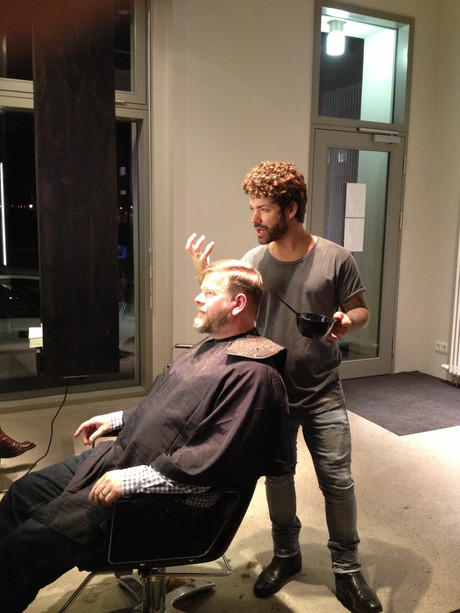 Viktor @work 02.2013 ... first haircut @brandnew salon
