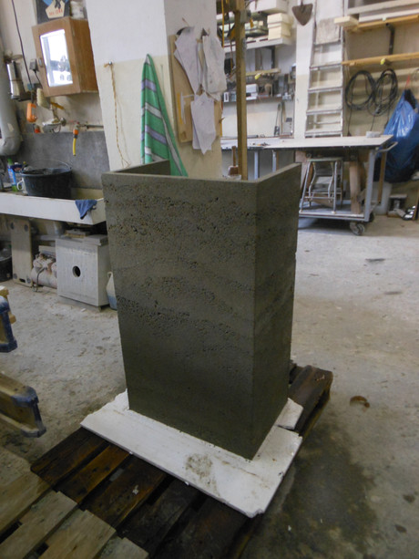 stamped concrete counter @BetonToBe 01.2013