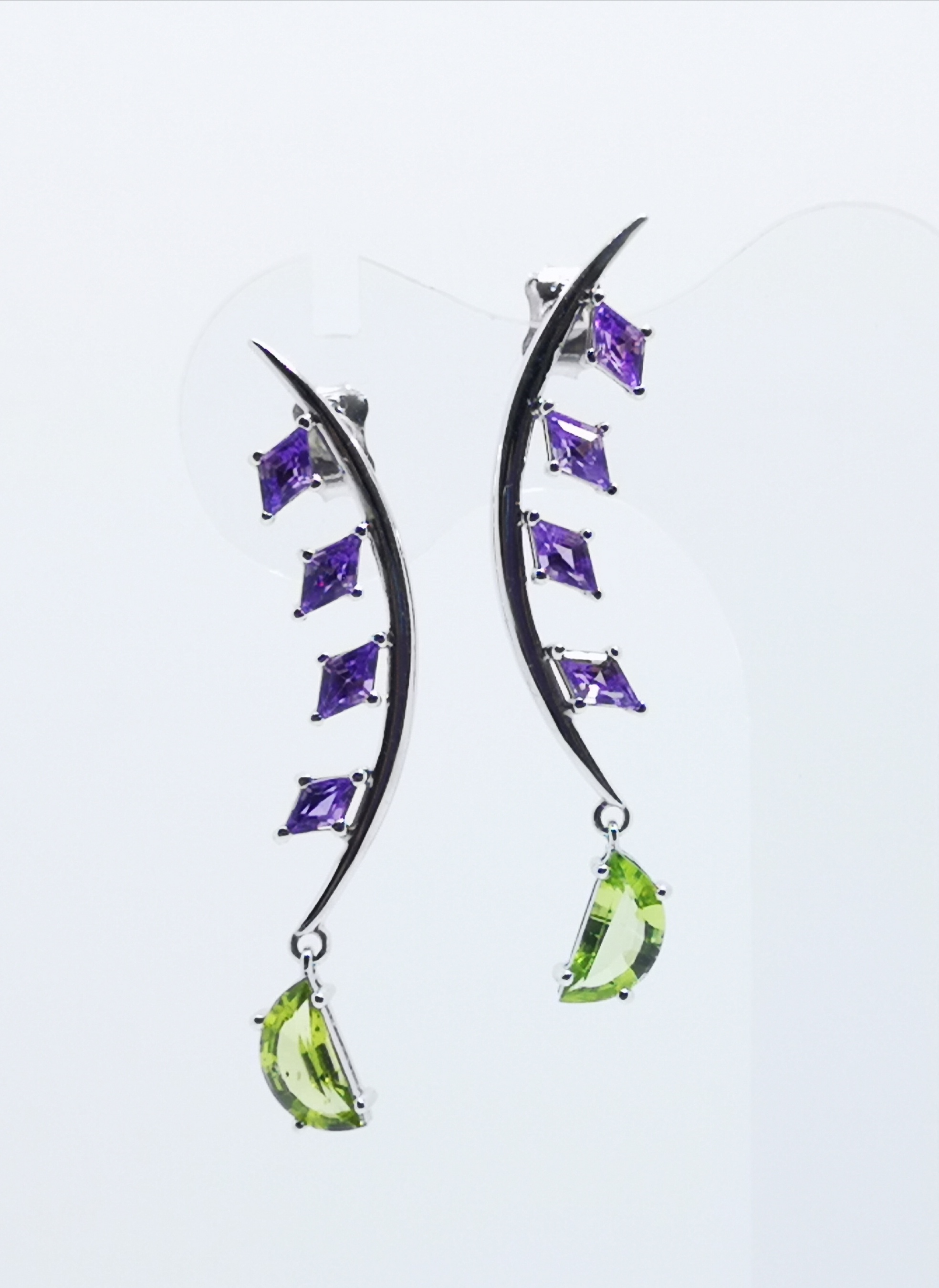Earrings in white gold 18kt with Amethysts & Peridots