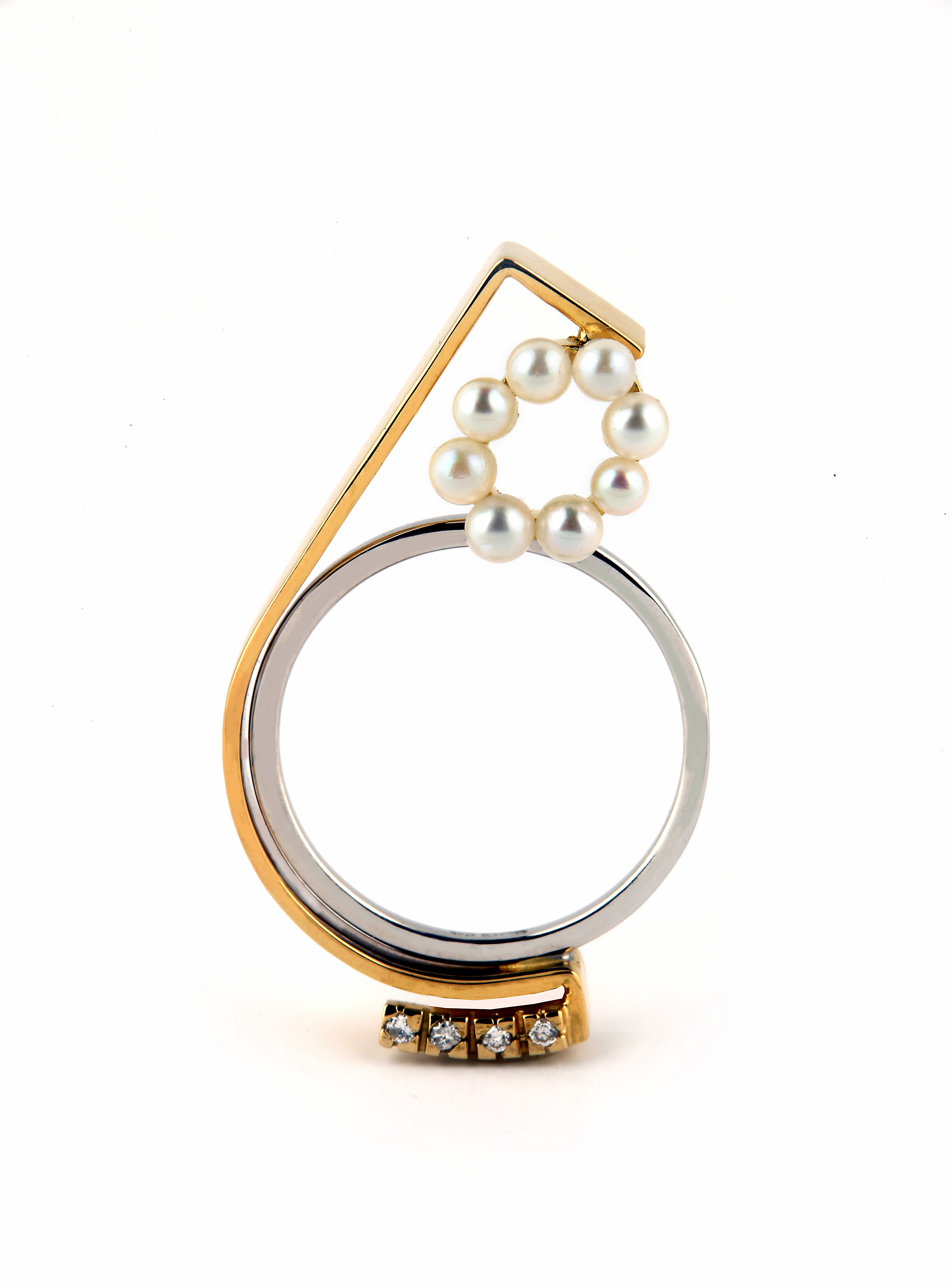 Rind in 18kt gold with pearls & brilliant diamonds