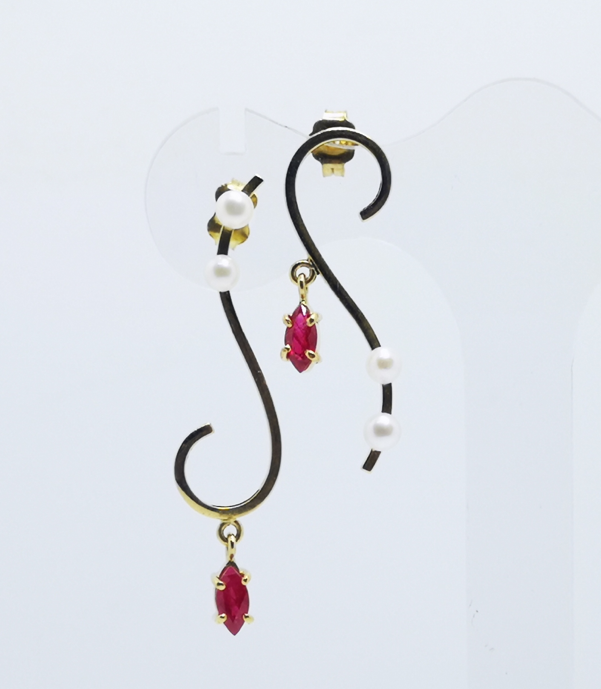 Earrings in gold 18kt with Rubies & Pearls