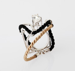 Ring in 18kt white gold with black & gold silk cord interchangeable