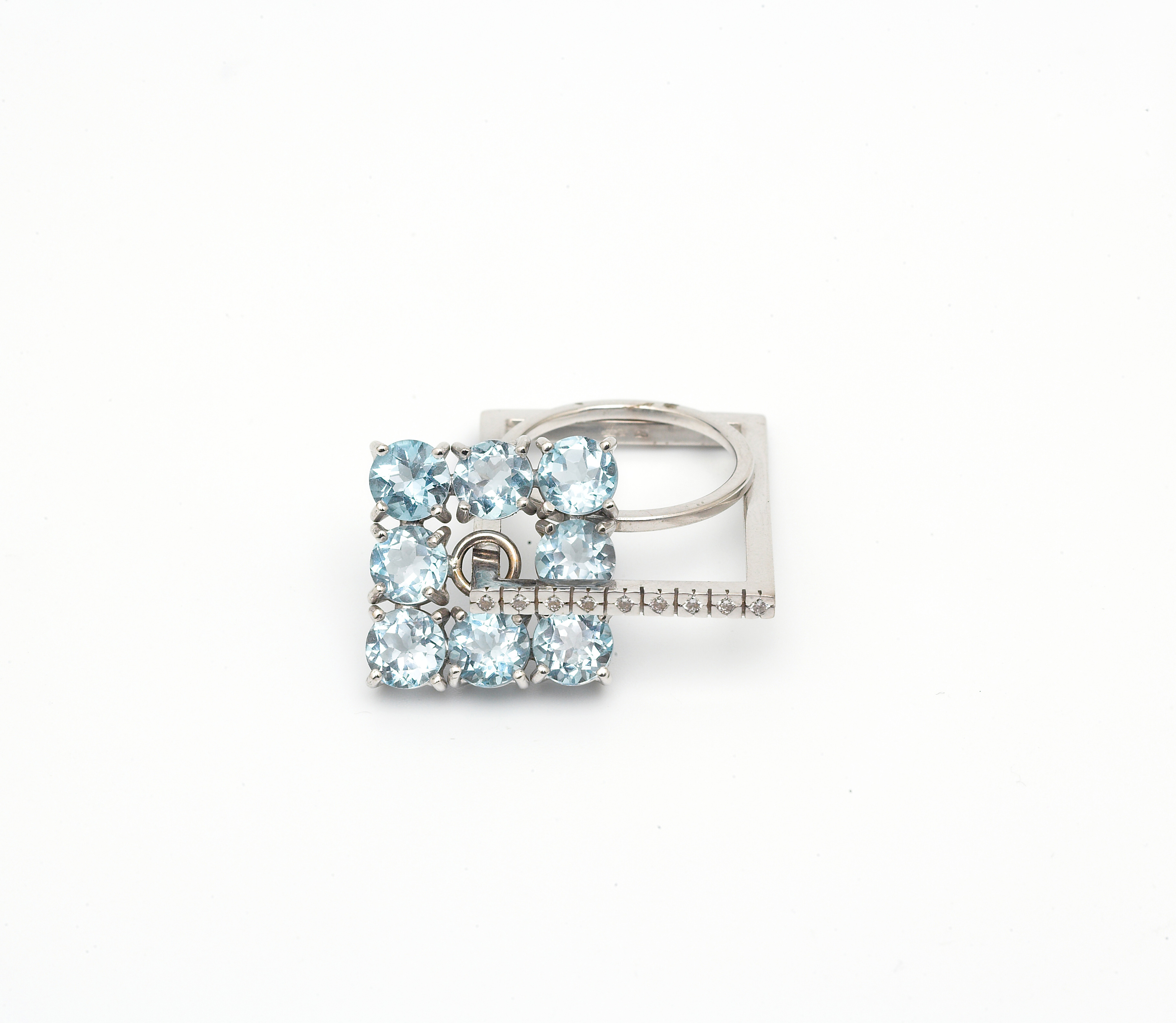 Ring in white gold 18kt with blue Topaz
