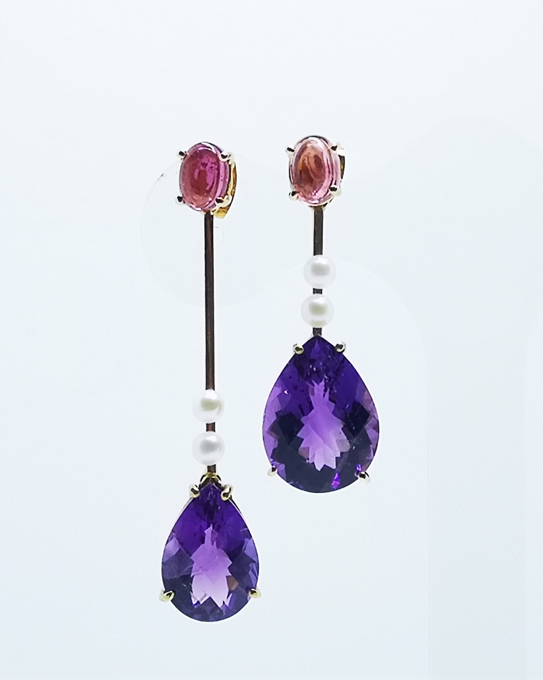 Earrings 18kt gold with Amethysts & Pearls