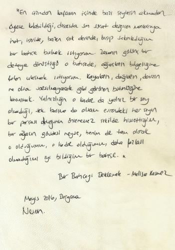 Parşömen kağıdı üzerine Nesrin'in el yazısı