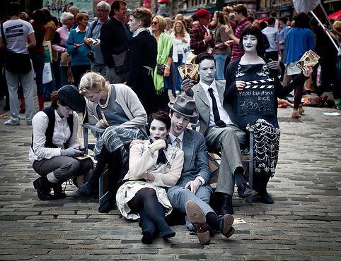 street-performers-870127_960_720.jpg