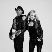 Mindi Abair and Randy Jacobs hang around