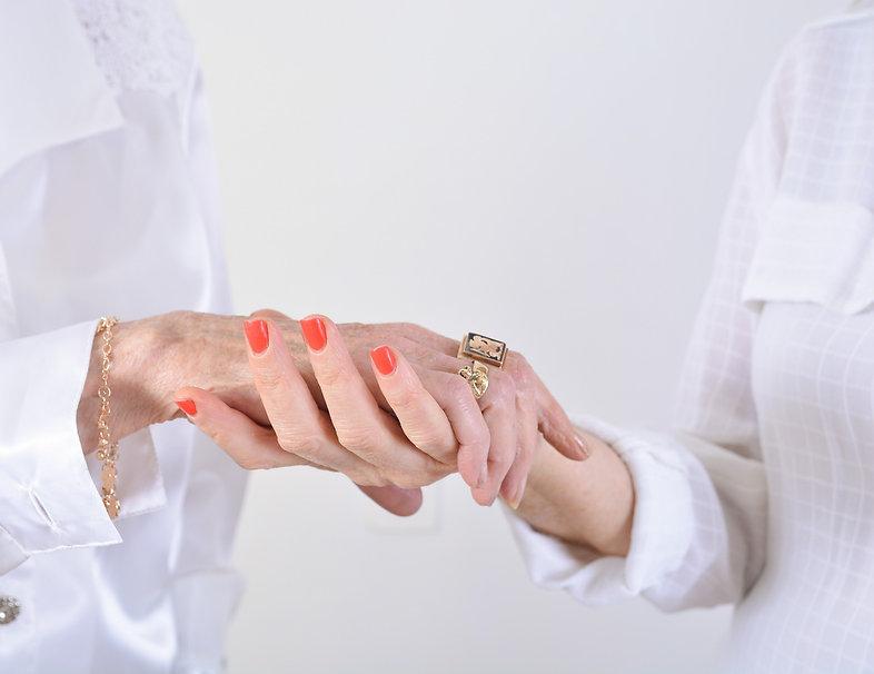 holding hands1.jpeg