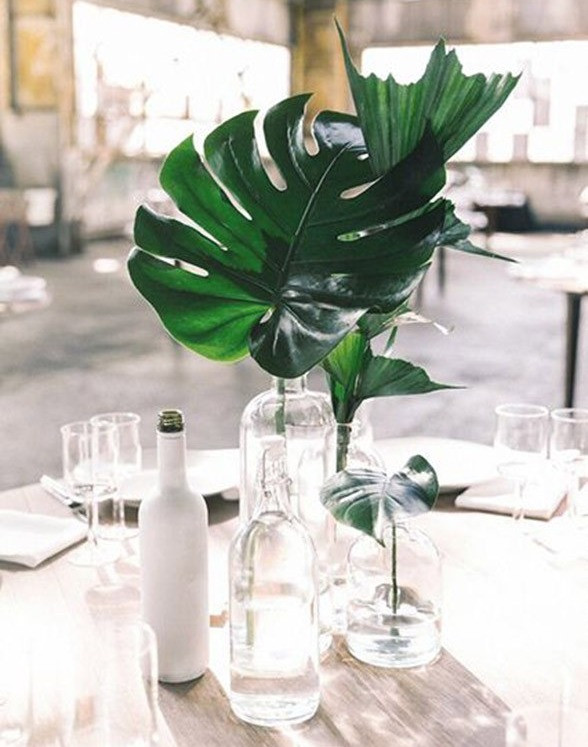 These Minimalist Wedding Centerpieces Prove That Less Is More