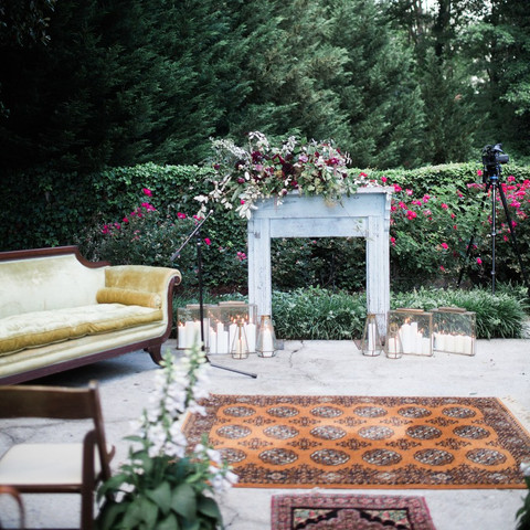 Super Chic Ways to Decorate Your Ceremony Aisle with Rugs