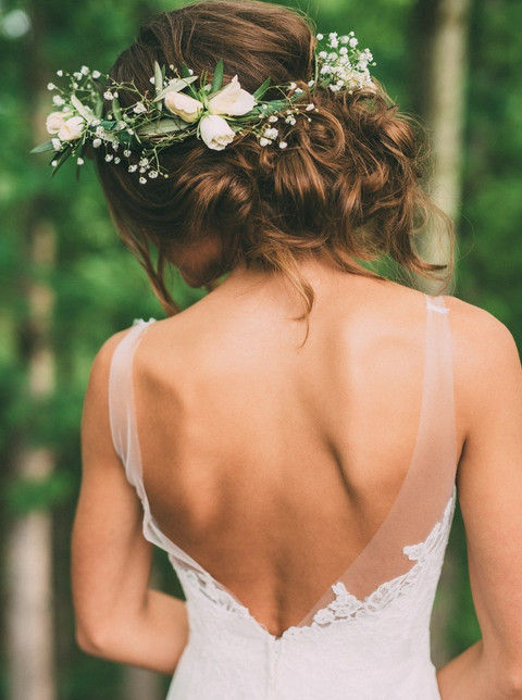 Earthy Wedding Hairstyles for the Springtime Bride