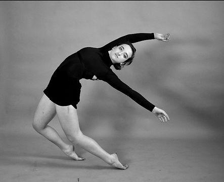 rebecca tuska dance in flight pepperdine 2019_edited.jpg