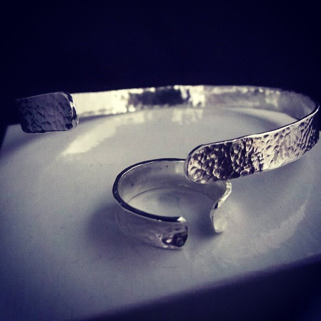 Anticlastic bangle and ring