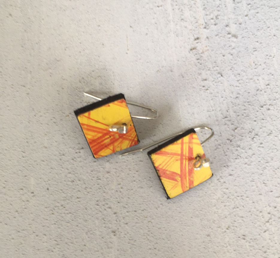 Bloco fogo earrings small square
