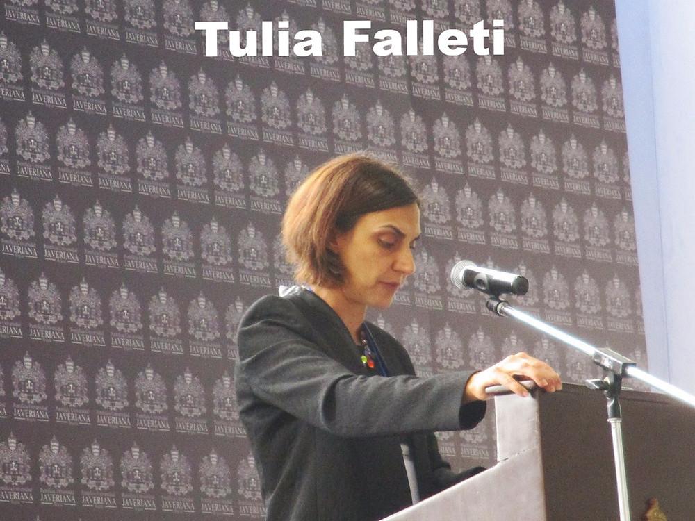 Tulia Falleti en la conferencia de la ACCPOL 2016