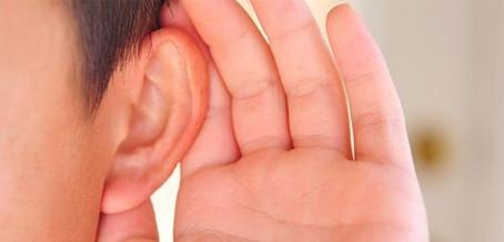Saiba porque escutar é diferente de ouvir
