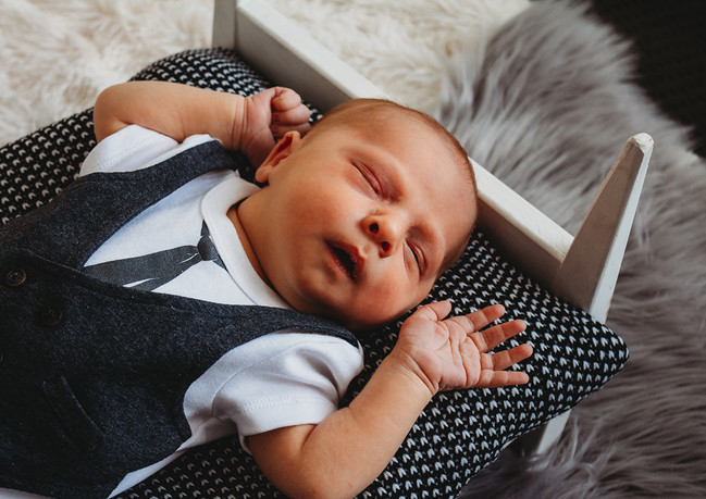 Parker Newborn-14_web.jpg