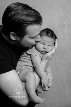 Babyfotografie mit Papa