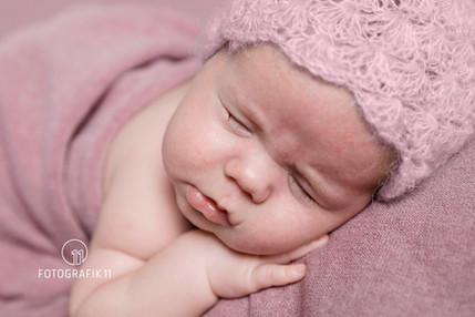 Natürliche Neugeborenenfotos