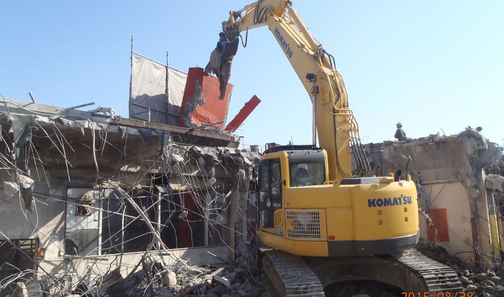 犬塚保育園旧園舎解体工事